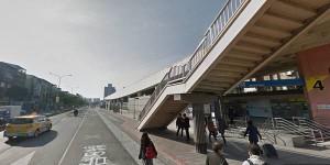 從昆陽捷運站的4號出口出站,往西邊的忠孝東路六段(北基公路)方向步行約10分鐘。